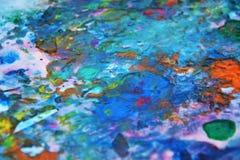 Die blauen rosa grünen gelben violetten orange rosa Farben, malend beschmutzt Hintergrund, bunten abstrakten Hintergrund des Aqua Lizenzfreies Stockbild