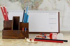 Die blauen und roten Bleistifte Lizenzfreies Stockbild