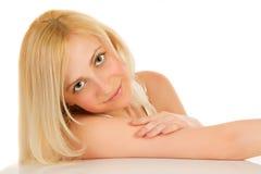 Die Blondine mit grünen Augen stockbilder
