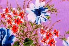 Die Blume auf dem Gewebe Lizenzfreies Stockfoto