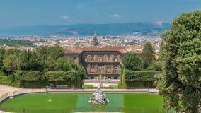 Die Boboli-Gärten parken timelapse, Brunnen von Neptun und eine entfernte Ansicht über das Palazzo Pitti, in Florenz, Italien stock video footage