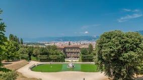 Die Boboli-Gärten parken timelapse, Brunnen von Neptun und eine entfernte Ansicht über das Palazzo Pitti, in Florenz, Italien stock video