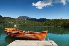 Die Boote auf dem See stockbild