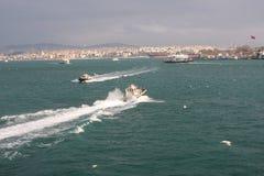 Die Boote im Bosphorus Lizenzfreie Stockfotografie