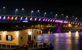Die Brücke auf der Donau Stockbild