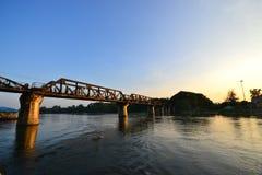 Die Brücke des Flusses Kwai in Thailand Stockfotografie