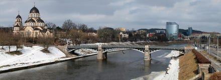 Die Brücke eine Kirche Lizenzfreie Stockbilder