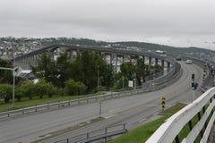 Die Brücke im tromsø norwegen stockfotos