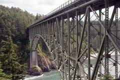 Die Brücke am Täuschung-Durchlauf Stockbild
