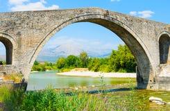 Die Brücke von Arta, Griechenland Stockbilder