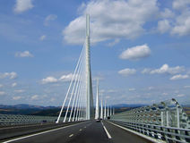 Die Brücke von Milau Stockbilder