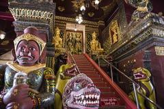 Die Brücke zum Himmel im thailändischen Tempel Stockbild