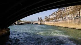 Die Br?cke ?ber die Seine-Rahmen Notre Dame Cathedral Vor dem Feuer 5. April 2019 Paris Frankreich stockfoto