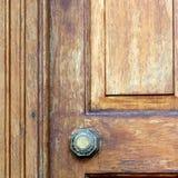 Die braune Tür Stockfoto