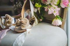 Die Braut an ihrem Hochzeitstag lizenzfreie stockbilder