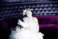 Die Braut im weißen Kleid Stockfotografie