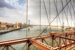 Die Brooklyn-Brücke mit der Manhattan-Brücke hinten Stockbild
