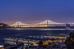 Die Bucht-Brücke von Coit-Turm Lizenzfreies Stockbild