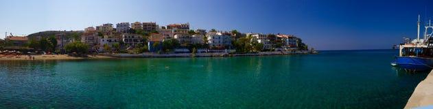 Die Bucht mit klarem Wasser Lizenzfreies Stockfoto