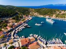 Die Bucht von Fiskardo in Cephalonia-Insel, Griechenland Fiscardo Stockfotos