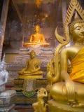 Die Buddha-Statue in der Sitzen-Lage Stockfotos
