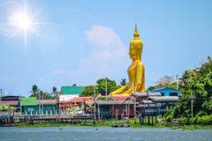 Die Buddha-Statue lizenzfreie stockfotos