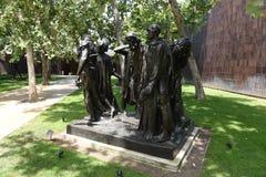 Die Burghers von Calais bronzieren Statue von Auguste Rodin in Norton Simon Museum stockfotografie