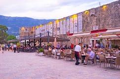 Die Cafés an der Wand Lizenzfreies Stockfoto