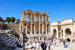 Die Celsiusbibliothek in der alten Stadt von Ephesus Izmir die Türkei stockfotos