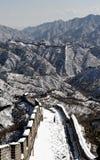 Die Chinesische Mauer im Winterweißschnee Lizenzfreie Stockfotografie