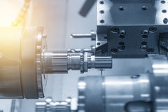 Die CNC-Drehbank Maschine oder die Drehmaschine lizenzfreies stockbild