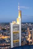 Die Commerzbank ragen in Frankfurt-Hauptleitung hoch Lizenzfreies Stockfoto