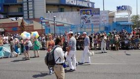 Die Coney Island-Meerjungfrau-Parade 2013 10 Stockbild