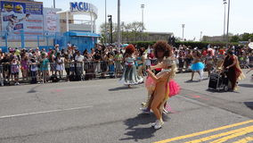 Die Coney Island-Meerjungfrau-Parade 2013 210 Lizenzfreie Stockbilder