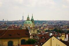 Die Dächer von Prag Lizenzfreie Stockfotos