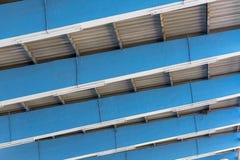 Die Dachspitze des Stadions stockbilder