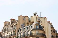 Die Dachspitzen und die Kamine von Paris Lizenzfreie Stockfotos