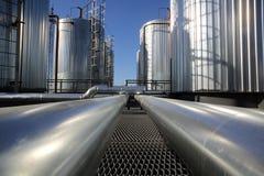 Die Dampfleitungen in Wärmekraftwerk lizenzfreie stockfotografie