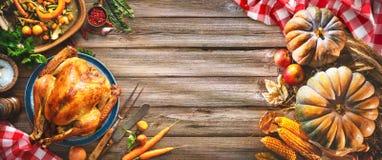 Die Danksagungs-Türkei-Abendessen lizenzfreies stockfoto
