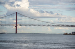 Die 25 de Abril Bridge Stockfoto