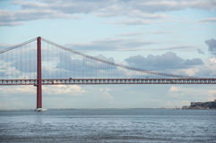 Die 25 de Abril Bridge Lizenzfreie Stockfotografie