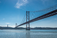 Die 25 de Abril Bridge Lissabon, Portugal Stockfotografie