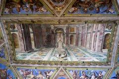 Die Decke in einem der Räume von RAPHAEL am 24. Mai 2011 im Vatikan-Museum, Rom, Italien Lizenzfreie Stockfotos