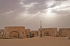 Die Dekoration und der Platz, wohin ` für Star Wars einstellte: Episode III - Rache des Sith-` wurde im Sahara geschossen Stockbilder