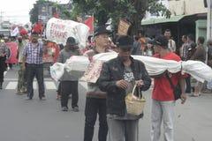 Die Demonstration traditionellen Markt-Händler Soekarno Sukoharjo Lizenzfreies Stockbild