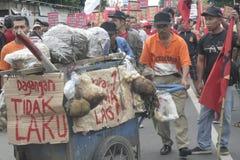 Die Demonstration traditionellen Markt-Händler Soekarno Sukoharjo Stockfotos