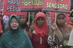 Die Der Markt-Verkäufer-Führungs-Demonstration Soekarno Sukoharjo der Frauen traditionelle Stockfotografie