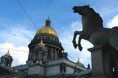 Die des Heiligisaac Kathedrale stockfotos