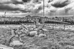 Die Dinosaurier, die innerhalb eines Dino gekennzeichnet werden, parken in Süd-Italien lizenzfreie stockfotos