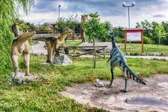 Die Dinosaurier, die innerhalb eines Dino gekennzeichnet werden, parken in Süd-Italien stockbild